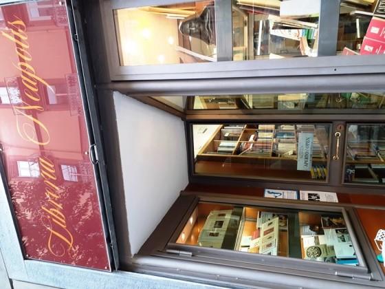 libreria-neapolis-foto-ln